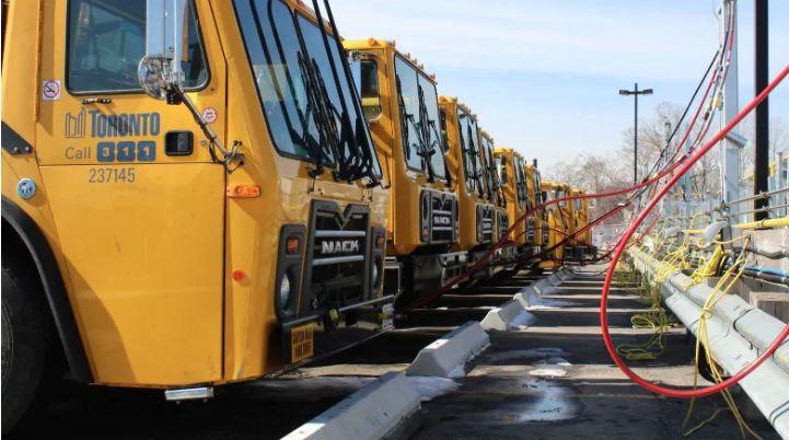 Food Scrap-Powered Garbage Trucks