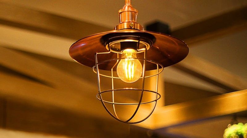 Old-Fashioned Connected Bulbs