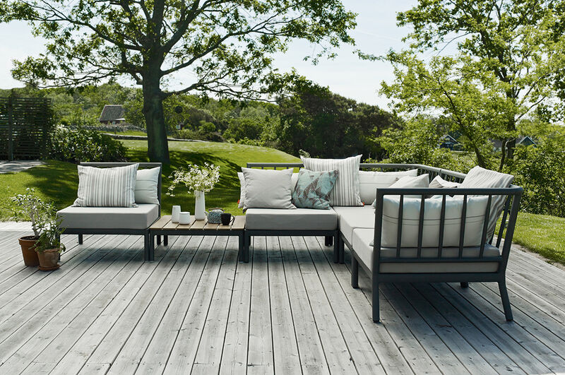 Quick-Drying Outdoor Furniture