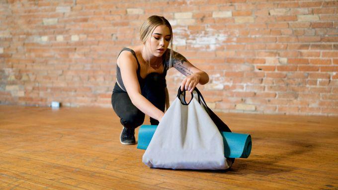 Self-Closing Transforming Bags
