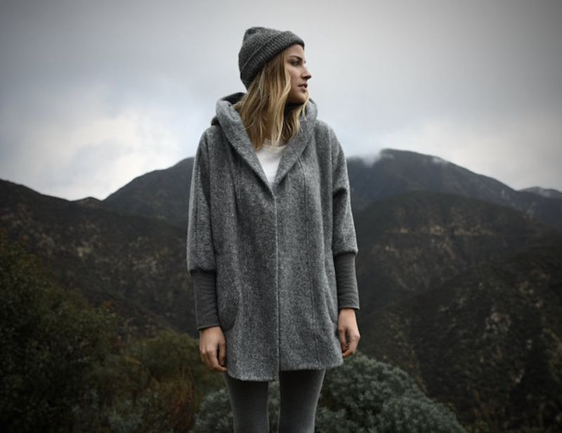 Inflatable Hood Travel Garments