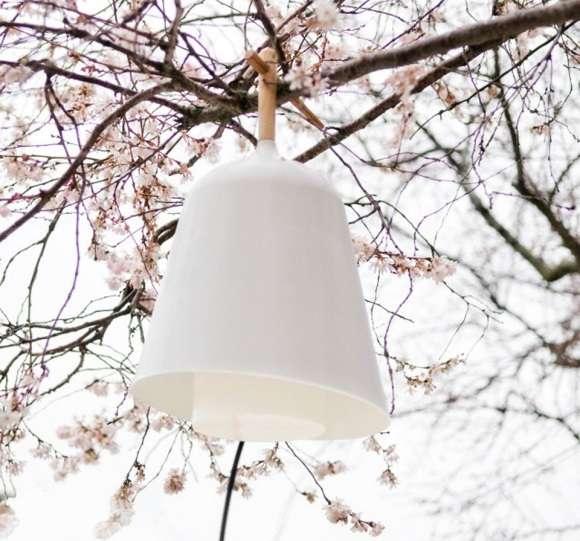 Limb-Hanging Lanterns