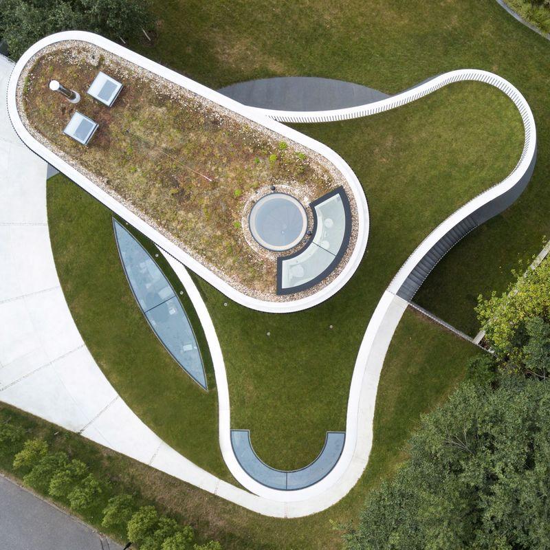 Modern Trefoil-Shaped Houses
