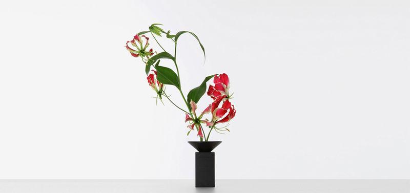 Congratulatory Aluminum Vases