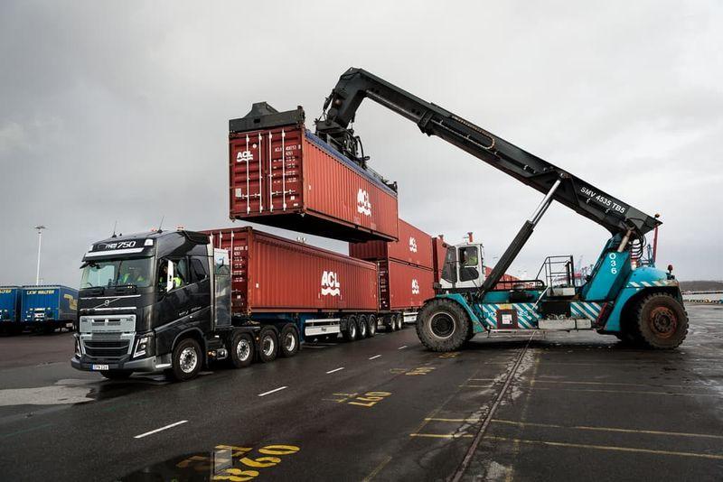 Cumbersome Truck Stunts