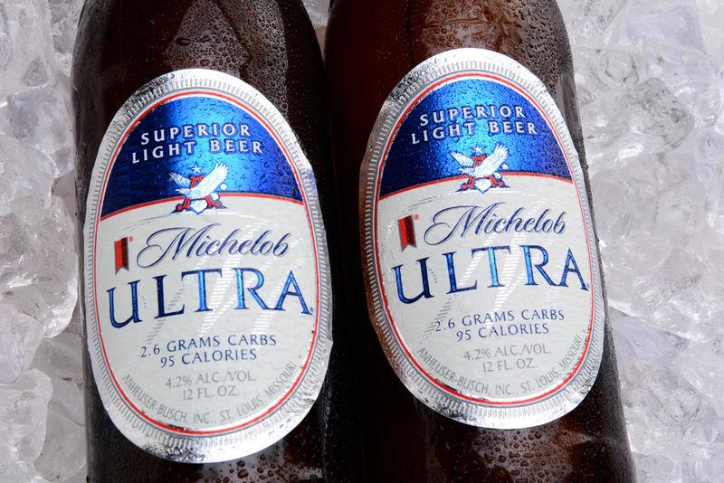 Beer-Branded Indoor Golf Campaigns