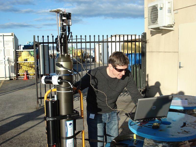 Ocean-Monitoring Robots