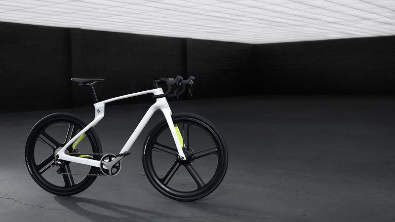 Bespoke 3D-Printed E-Bikes