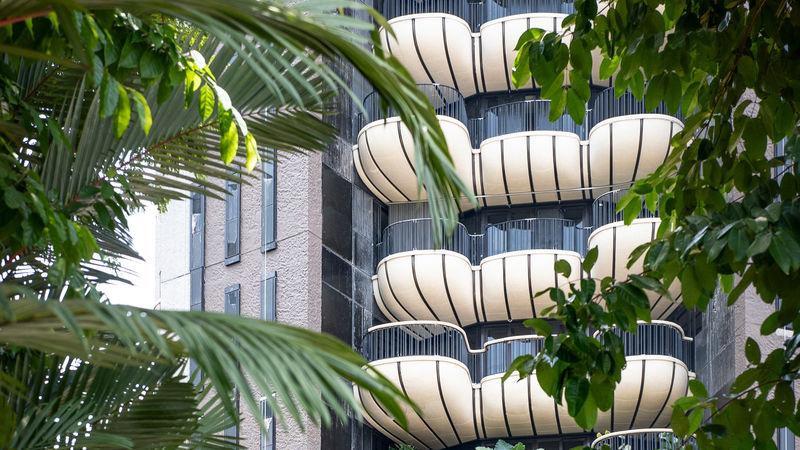 Shell-Like Balcony Designs