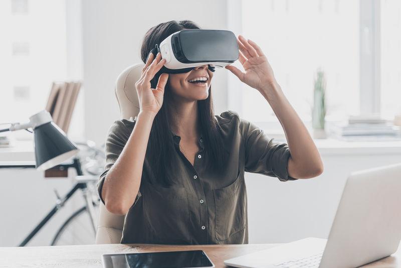 Immersive Full-Semester VR Courses