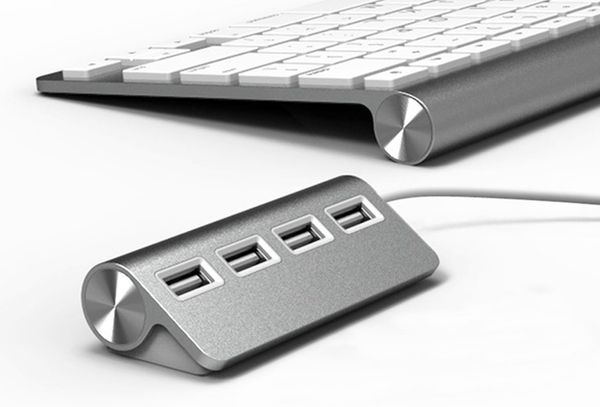 Reversible USB Plugs