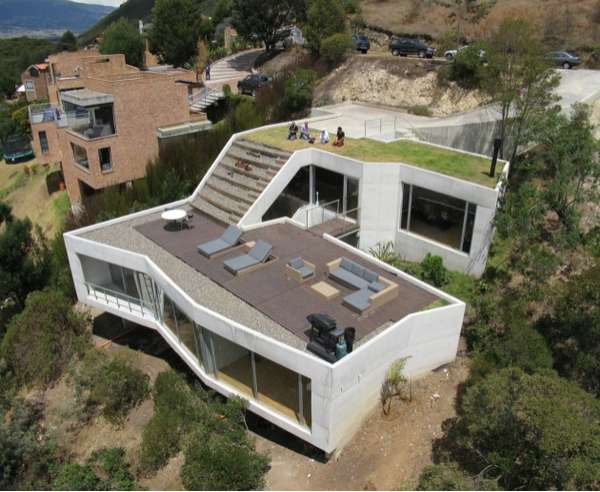 Rooftop garden homes v house by plan b architects - Agrandissement maison prix ...