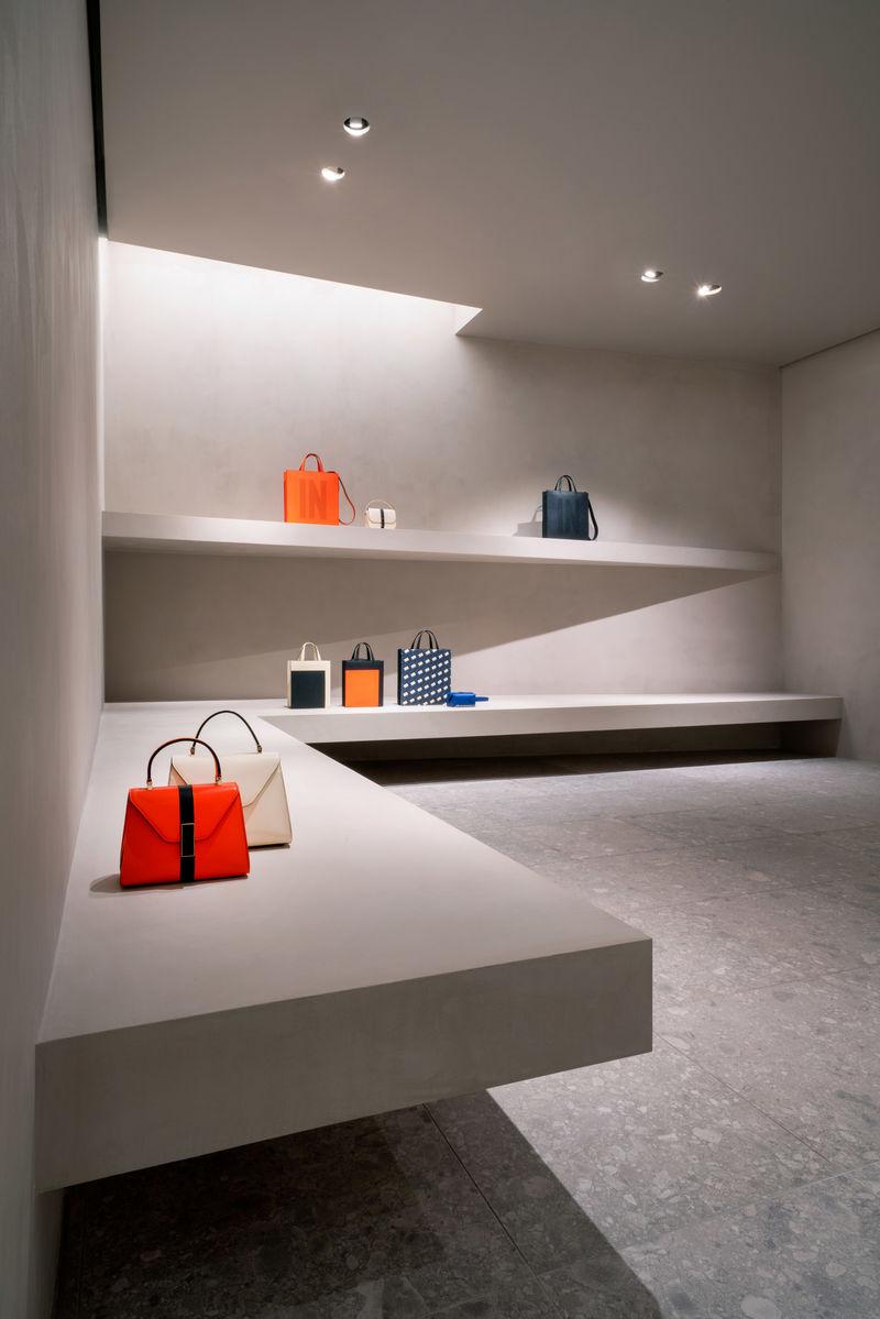 Gallery-Style Retail Interiors