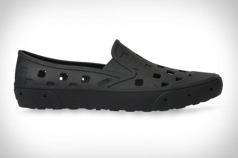 Rinsing-Friendly Skate Shoes