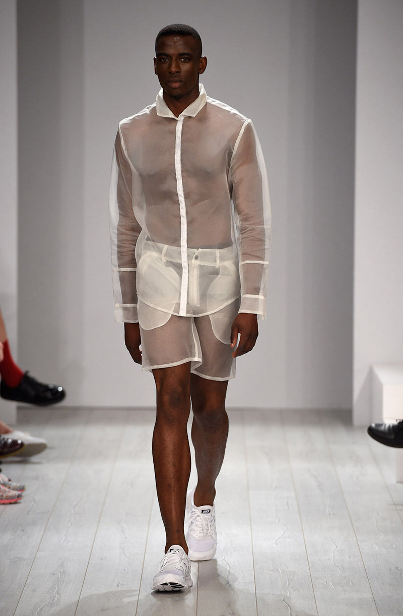 Transparent Minimalism Runways : VEKTOR Spring/Summer 2015