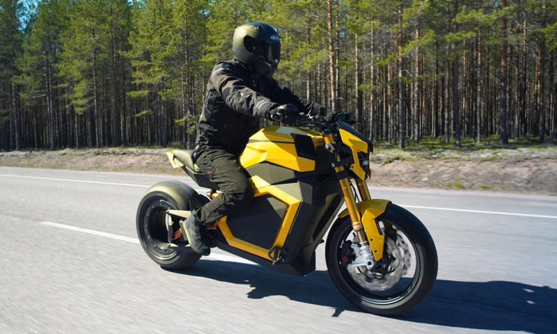 Hubless Chain-Free Motorcycles
