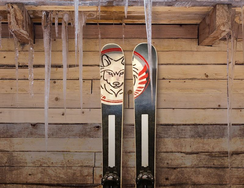 Smartphone-Connected Skis