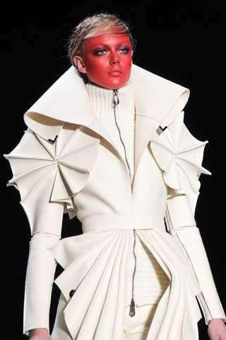 futuristic felt fashion viktor rolf fall 2011