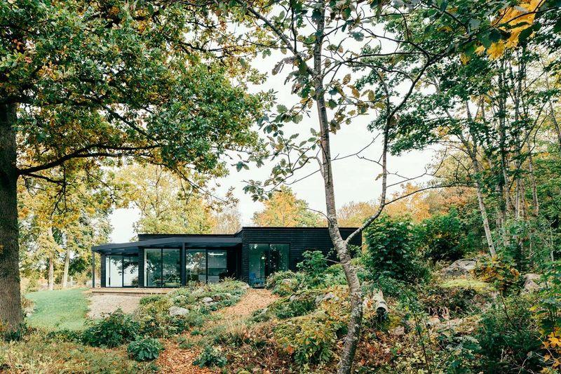 Unconventionally Designed Modern Cottages