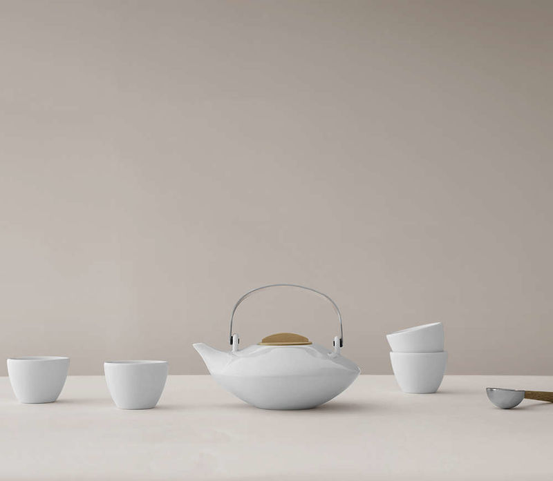 Elegant Minimalist Tea Sets