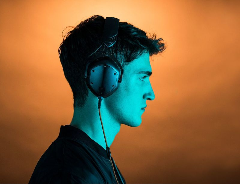 Dual-Diaphragm Driver Headphones