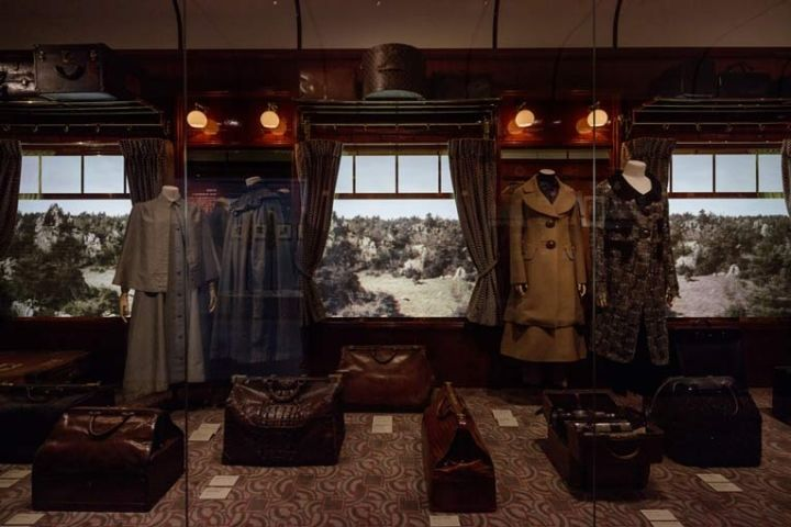 Couture Voyage-Inspired Exhibits