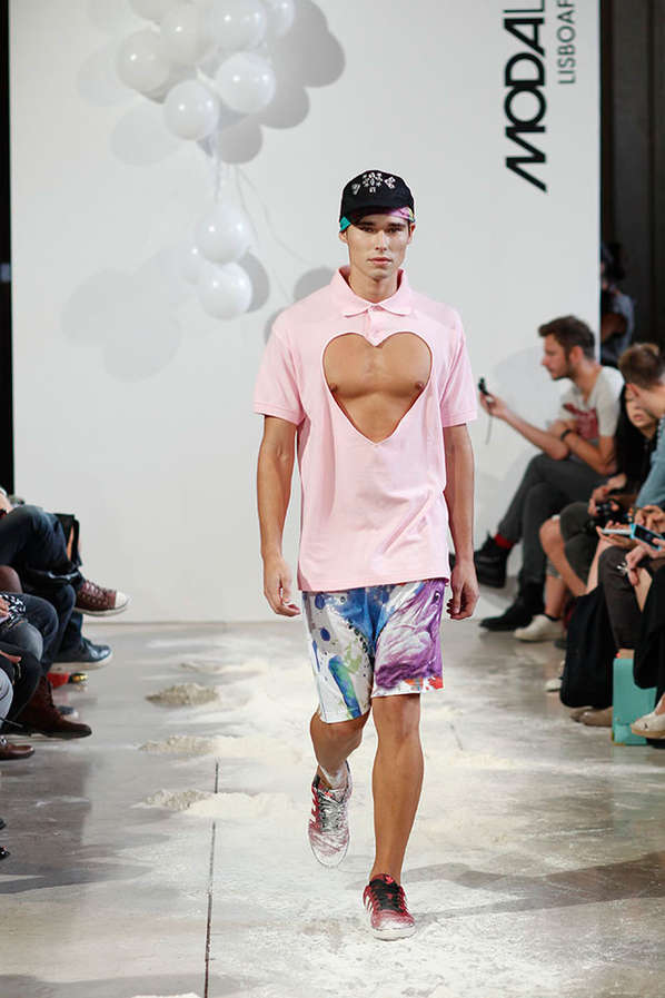 Male Cleavage Catwalks