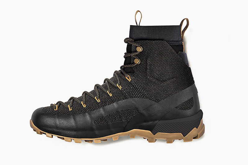 Hightop Kevlar-Infused Hiking Boots
