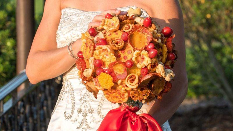 659c7ae353f40 Pizza-Themed Wedding Bouquets   Wedding Bouquet