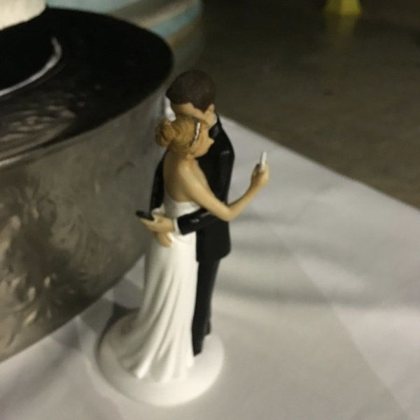 Smartphone-Obsessed Cake Toppers