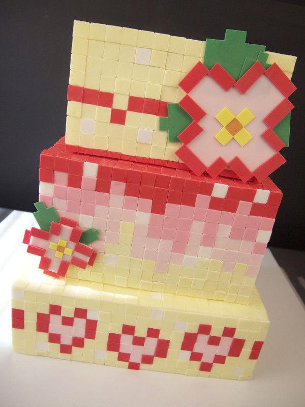 Pixelated Gamer Cakes : wedding cake