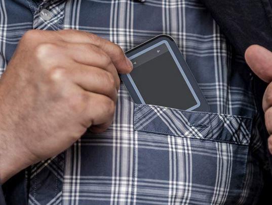 Noninvasive Pocket-Sized EKG Devices