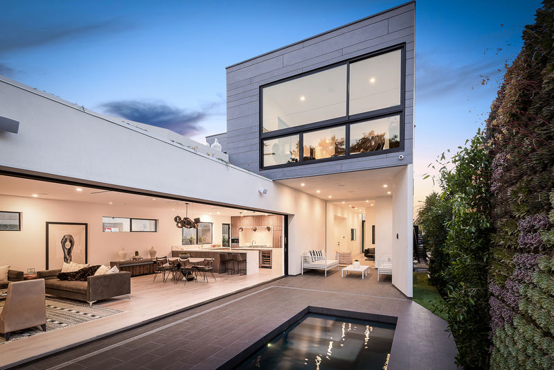 Space-Minded Hollywood Residences