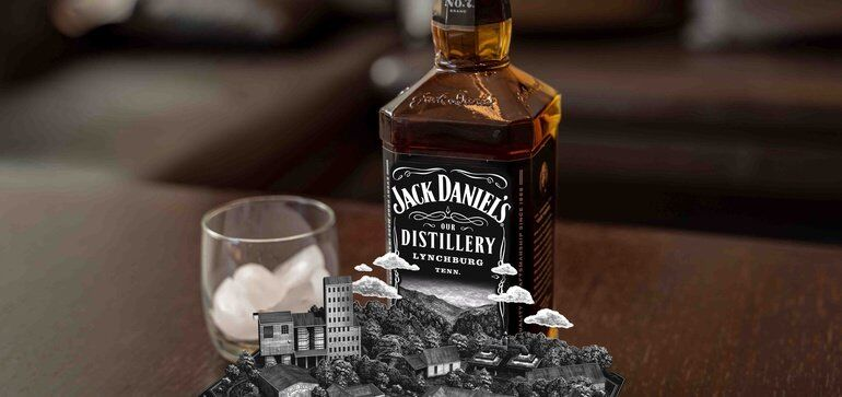 AR-Informed Whisky Bottles