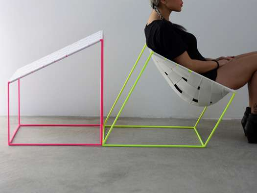 Fluorescent Elastic Chairs