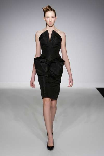 Papercut Clothing Collections William Tempest Fall 2009 Line Is An