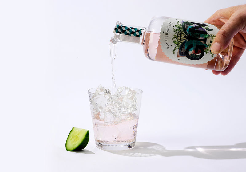 Rosy Special-Edition Gins