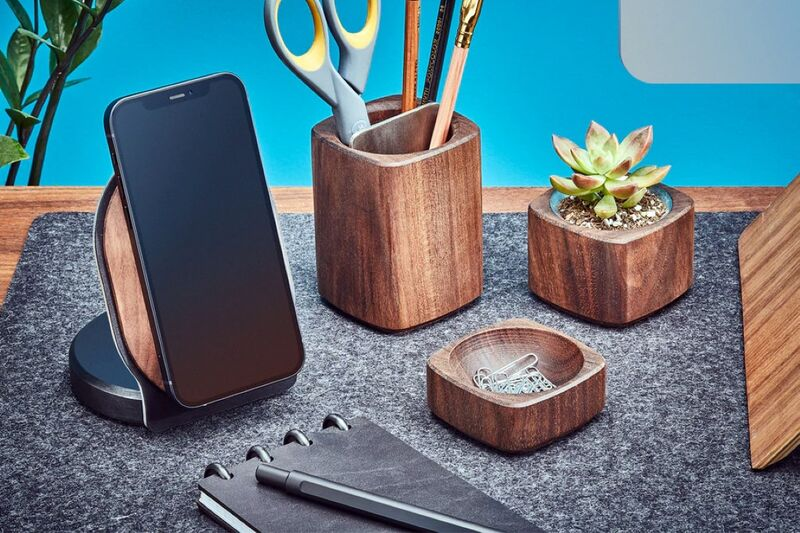 Wireless Timber Technology Chargers