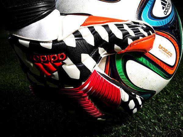Trailblazing Soccer Gloves