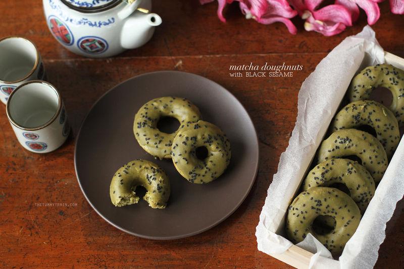 Baked Matcha Donuts