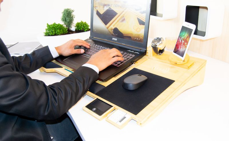 Productivity-Enhancing Lap Workstations
