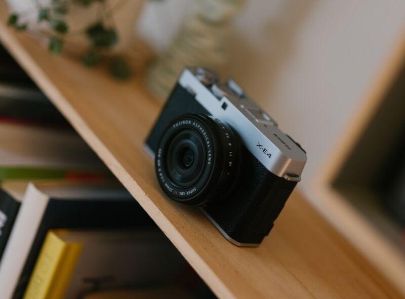 Ultra-Light Mirrorless Cameras