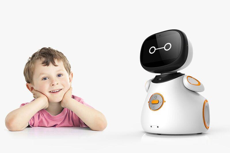 Intuitive Entertainment Robots