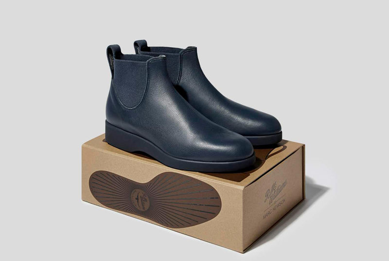 Minimalist Professional Chelsea Boots