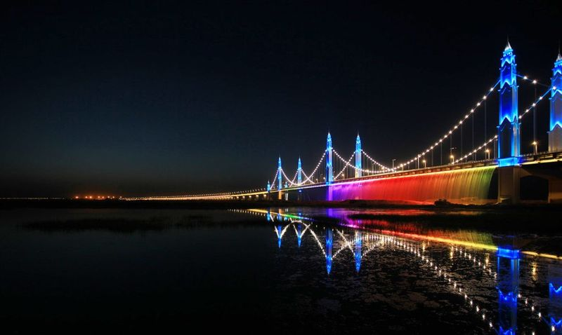 LED-Illuminated Suspension Bridges
