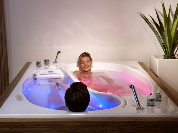 Romantically Connected Tubs