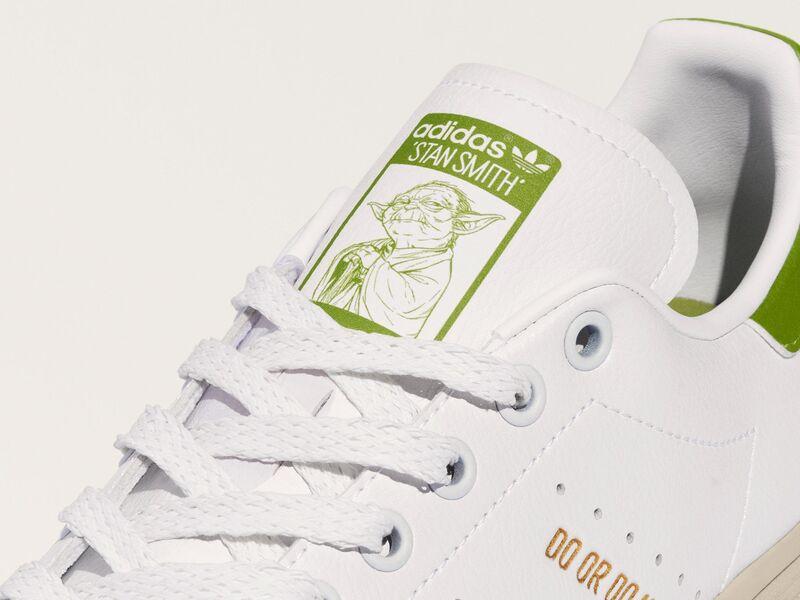 Alien-Themed Tennis Shoes