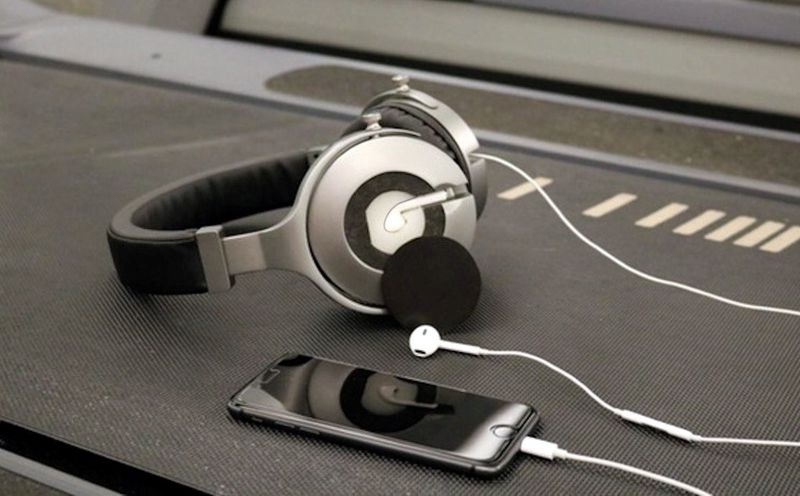 Earbud-Amplifying Headphones