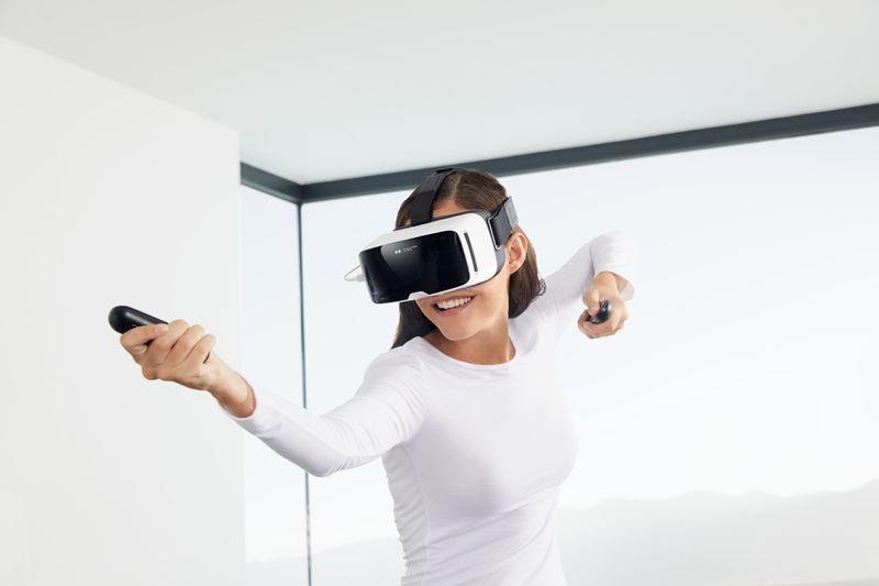 Smartphone-Connected VR Systems