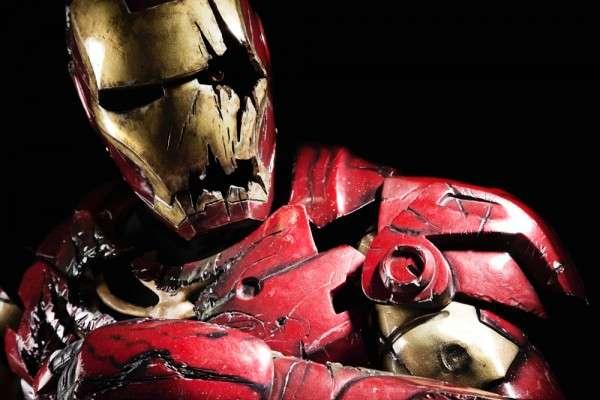 Imà Genes De Iron Man: Flesh-Eating Superhero Attire : Zombie Iron Man Costume